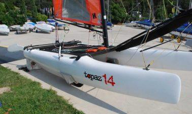 Scafo catamarano Topaz 14
